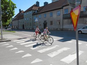 Vasagatan. Här är det stopp före cykelöverfarten.