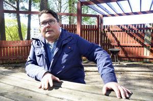 Christian Johansson, 43 år, vill att Sätraborna går samman och tipsar varandra om stölder, skadegörelse, med mera.