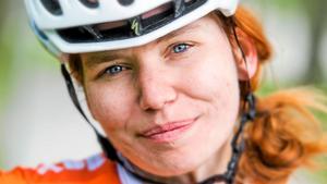 """Mer än två hjul. """"Tävling ger  adrenalin och fartkänsla, så är det. Men cykling är också frihet"""", säger Katja Fedorova som började sportcykla och cykelblogga 2012. Nu är hennes blogg en av Västerås mest besökta."""