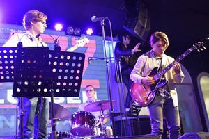David Kontra Trio stod som förband i säsongens första måndagsjazz.