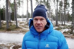 Mathias Fredriksson vid ÖSK där han och skidkompanjonen Emil Jönsson nu fått klartecken om att gå vidare med sina byggplaner.