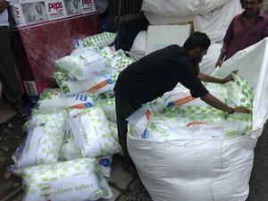 Välbehövligt. 50 stycken nya kuddar togs tacksamt emot på barnhemmet St: Johns, som ligger utanför staden Thiruvananthapuram i Indien.