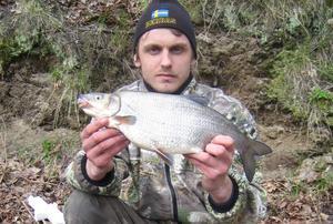 EN AV SVERIGES STÖRSTA. Henrik Eriksson från Gävle slog knock på konkurrenterna och tog hem Vimma-Fisket 2008 med det här praktexemplaret på hela 1,360 kilo.