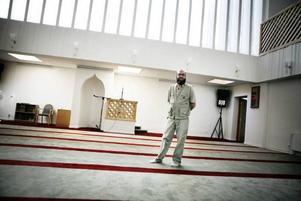 Nizam Hindi representerar den församling i Gävle som ökar mest, moskén Al Rashideen.Soppluncherna hos Korskyrkan är populära men besökarna får räkna med att trängas.