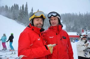 Skistar Åres destinationschef Niclas Sjögren Berg och driftschef Anders Aspholm log ikapp denna dag.