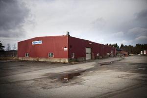 I den här före detta industrilokalen strax utanför Gällö  har Johanna Berg tänkt inrymma sin hall för hundträning.