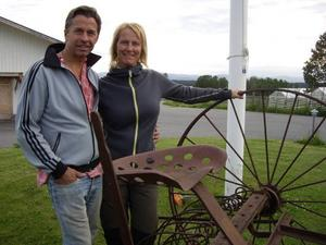 Gården i Orrviken – där Ivar Lo-Johansson tjänade dräng – drivs i dag av Morgan Olofsson och Marit Persson. Morgan är barnbarn till Greta som beskrivs i romanen
