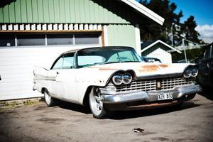 Den vita amerikanaren har Mickes äldste son Daniel renoverat som skolprojekt då han gick fordonsprogrammet på gymnasiet.