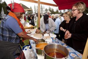 Mat från 22 olika länder finns med på Internationella festen på murberget på söndag.