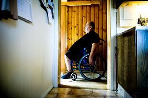 När Gunnar Skoog varit inlagd i ett halvår och kom hem, hade kommunen redan varit där och byggt om huset.