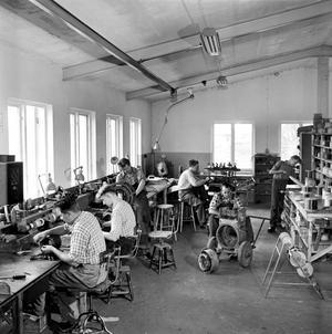 Arbetsplats som de ganska ofta såg ut på 50-talet. Vet du var vi är? Berätta gärna!