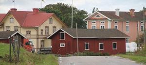 Vängsbo är en av byarna efter Stora Hälsingegårdars väg. Nygårds heter gården i blickfånget. I byn finns en rastplats intill den gamla vattendrivna linskäkten och rö´kvarnen.