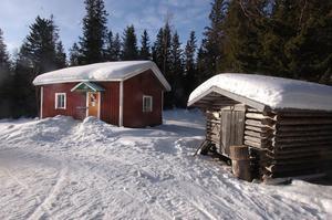 Nästan på toppen av södra Hälsinglands berg, Stafsberg, finns Alfta Skogskarlars stuga.