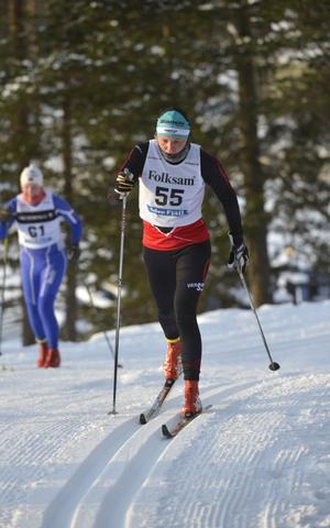 Julia Svan, Vansbro AIK, är tillbaka i skidspåren och åkglädjen sprudlade om Julia som vann söndagens 5 km.