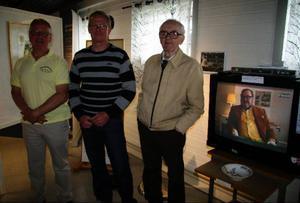94-årige bror Göthe Jönsson invigde utställningen om sin bror Yngve Gamlin. Foto: Holger Persson