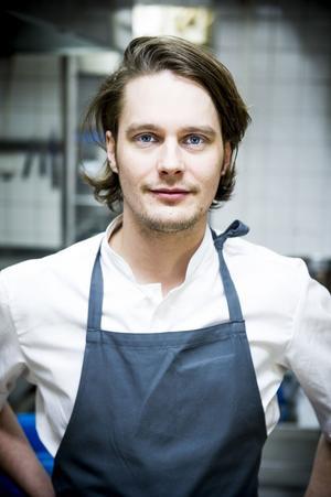 Filip Fastén började sin karriär hos kändiskocken Melker Andersson, men arbetar numera på stjärnkrogen Frantzén.