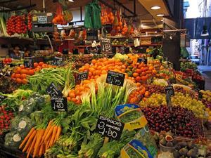 Jag var i Barcelona med mina vänner i veckan. Fann detta underbara hav av frukter och grönsaker på marknaden. Ett alternativ till julmat?