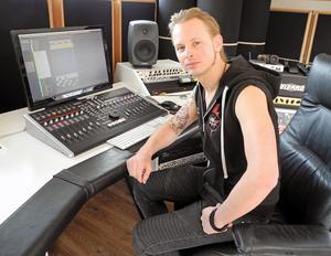 Erik Mårtensson och Eclipse har spelat in nya skivan i studion i Sollerön.