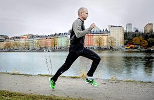 Hur mycket dämpning man behöver och vill ha är väldigt individuellt, men många tycker att lättviktsskor ger en mer naturlig känsla till löpningen.   Foto: Erik Mårtensson/TT