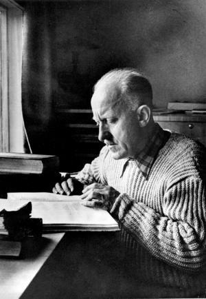 Halldor Laxness, Nobelpristagare 1955 och isländskt nationalmonument, presenteras detaljerat i den digra biografin som dick saknar överblick.