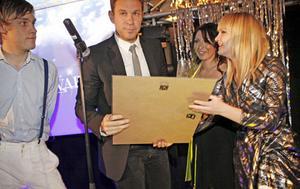 Stoffe på Nya Thulins mottar Span-priset på Style Awards.