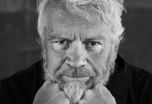 Ronny Eriksson kommer till Dalarna med sin föreställning