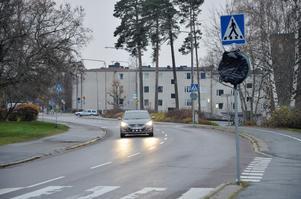 Även fortsättningsvis är det max 30 som gäller i bostadsområden. På genomfartsgator sänks dock fartgränsen från 50 till 40 kilometer i timmen.