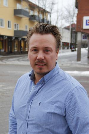 Det är inte första gången det uppdagas att Sandvikens huvudoppositionsråd Daniel Sjöberg har oreda i ekonomin. Inför valet kunde Arbetarbladet avslöja att han strulat med skatteinbetalningarna i sitt företag Leolinn AB: