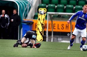 Shaun Wipond blev bitvis rejält ihopbuntad i kampen med Giffarnas mittfältare.