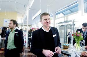 Per Larsson, som äger Husman & Hagbergs Gävlekontor, har själv gått mäklarprogrammet på Högskolan i Gävle.