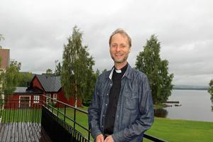 På söndag - den 6 september - vigs Mikael Mogren till biskop för Västerås stift.