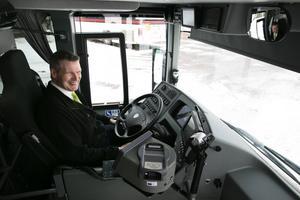 Thomas Forssell kör bussen mellan Falun och Borlänge fredag-söndag.