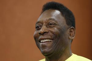 Den 74-årige fotbollslegendaren Pelé vårdas återigen på sjukhus. ARKIVBILD.