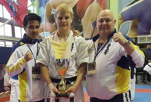 Silvermedaljören Jonas Rosin tillsammans med Lipo Lodin och Carl-Magnuz Lodin
