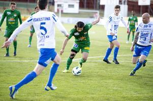 Peshraw Azizi såg till att Dalkurd tog tre nya poäng i division 1 norra när han satte 2–1 i hemmamatchen mot Eskilstuna City.