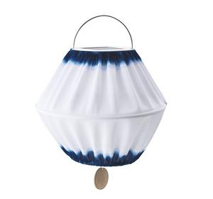TYG. Den solcellsdrivna taklampan kan placerad vart som helst eftersom inga sladdar behövs. Pris 149 kronor hos Ikea