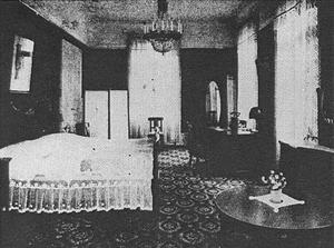 ELEGANT HOTELLRUM. Ett av hotellrummen på Grand Hotel, troligen i slutet på 20-talet.  Fotot är hämtat från en marknadsföringsbroschyr över hotellet under ägaren Oscar Zedréns tid.