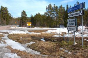 Regementet i Älvdalen har tidigare drabbats av personalneddragningar. Men nu går man i motsats riktning och anställer fyra nya personer.