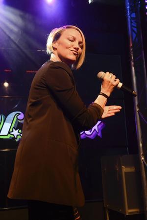Kate Ryan.