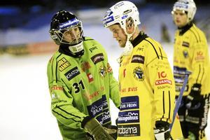 Dennis Wasberg målvakt och Jonas Nygren Brobergs IF Broberg bandy