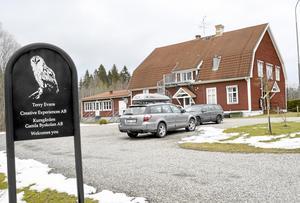 KURSGÅRD. Örebro kommun har för första gången låtit en chef gå på kurs hos Terry Evans i Fanthyttan, för en kostnad av 26 000 kronor plus moms.