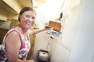Tack vare fiberanslutningen kan Agneta Bengtson i Långvindsbruk distansarbeta mot sin arbetsplats i Stockholm.