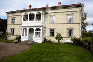 Det här huset i Ava kan vara det första huset på landsbygden i Sverige som elektrifierades.