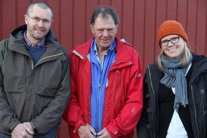 Björn Risby för Bergvik skog, vänsterpartiets Janne Wahlman och kommunikatör Stina Rydberg för Pöyry träffades i Alfta på måndagskvällen för information om de nedbantade vindkraftsplanerna på Alfta finnskog.