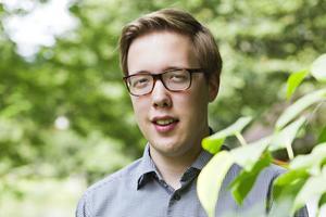 PÅ HEMMAPLAN. Organisten Axel Rystedt från Sandviken får inviga årets festival. Den 27 Kammarmusikfestivalen som blir den sista i Drottningen.
