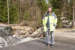 Evert Boeye från Trafikverket region mitt var på plats i Lofsdalen för att inspektera skadorna.