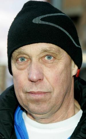 Anders Einarsson,64 år, Östersund:– Ja det gör jag. Jag har sett matcherna som varit. Jag tycker att svenskarna har skött sig bra. Men Ryssland kan bli svårtuggat, och USA tror jag går långt.