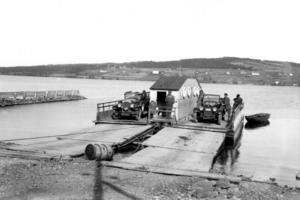 Här är färjan som förliste i Vallsundet 22 november 1924, men vid olyckstillfället satt livbåten fastsurrad på däck och gick inte att få loss.