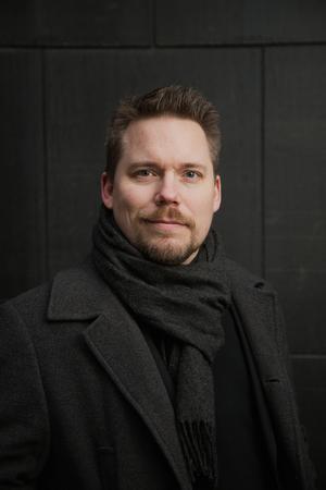 Erik Sandberg har skrivit en bok som får vår kritikers puls att dunka.