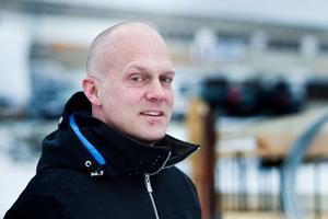 Sunds Industrier, med vd:n Lennart Jakobsson i spetsen, bygger en ny spjutspetsanläggning för 12 miljoner kronor.